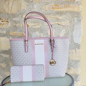 NWT Michael Kors signature carry all tote&wallet